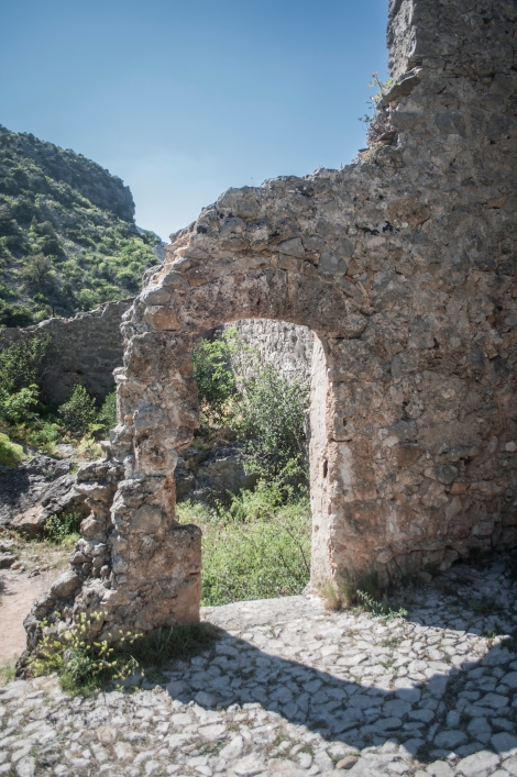 Castle ruins along the hiking trail