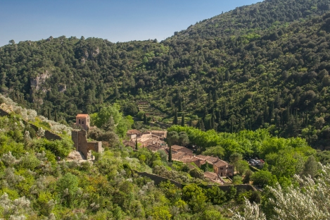 Looking at the town of Saint-Guilhem Le Désert from above